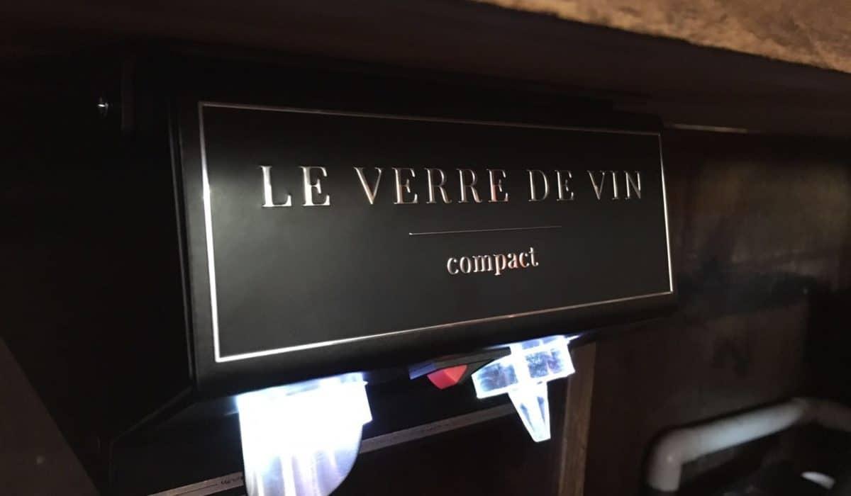 bar with Le Verre de Vin compact