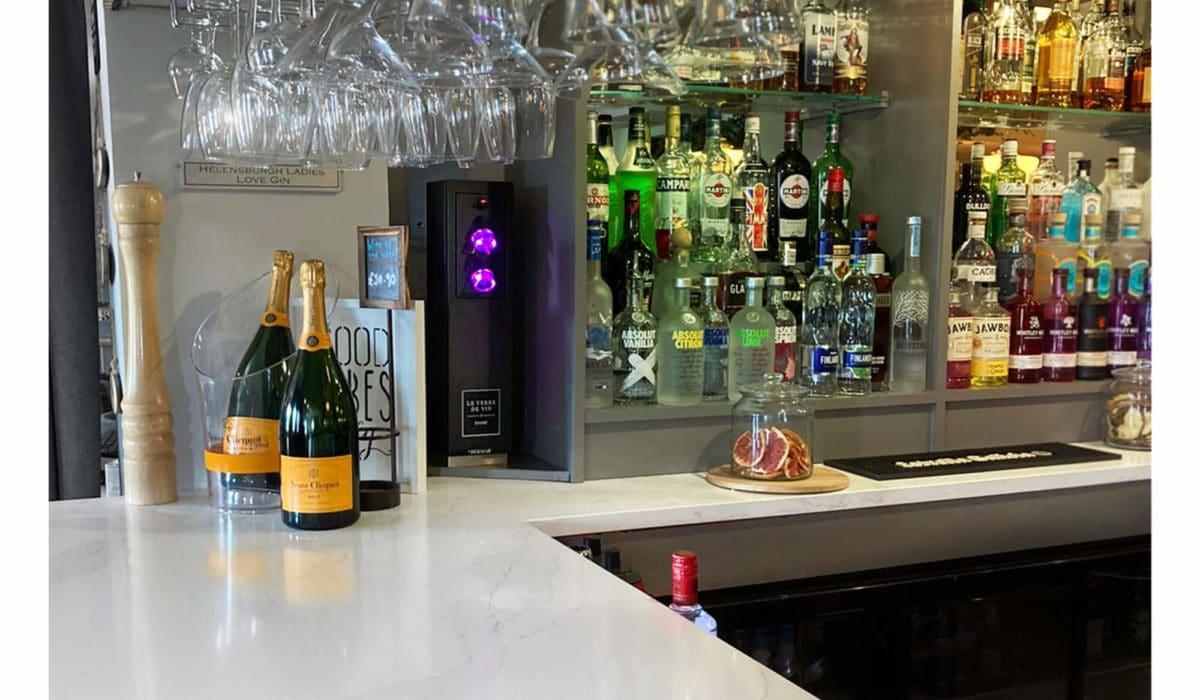 Riva Helenburgh Le verre de vin tower install